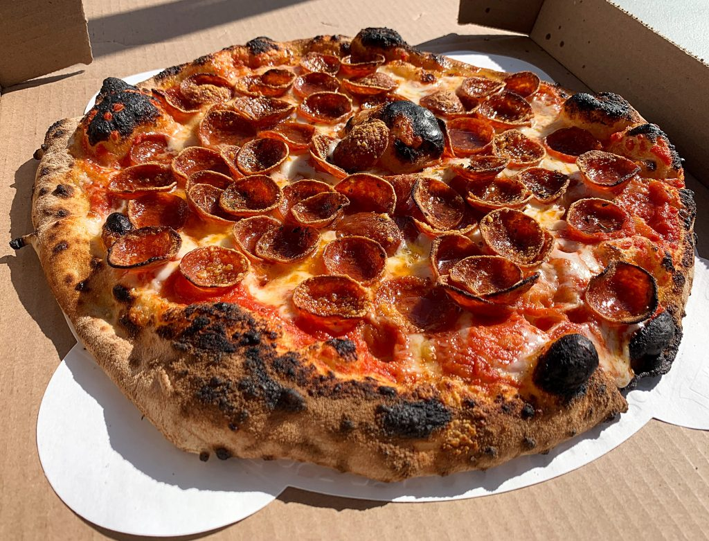 round pepperoni pizza