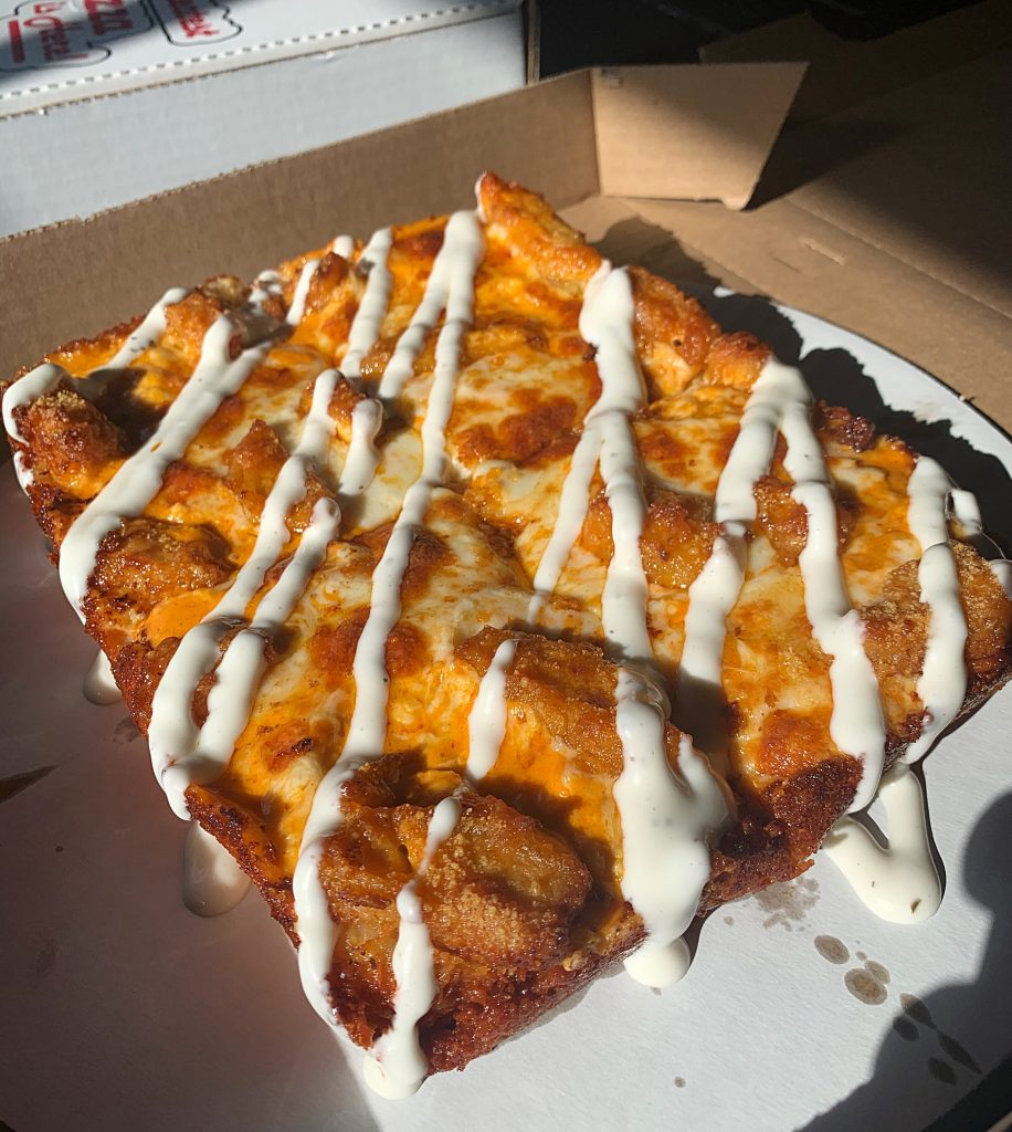 detroit style buffalo chicken pizza